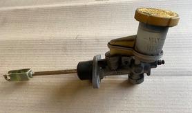 Pompa sprzęgła Subaru Legacy Outback 04 08