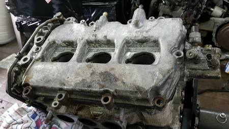 Głowica lewa kpl Subaru Legacy Outback 3.0 H6 EZ30 (1)