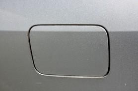 Klapka wlewu paliwa 39D Subaru Legacy IV 04 06
